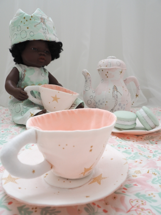 and tea cups!